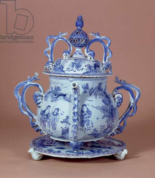 Posset Pot and Stand, Bristol, 1685 (tin glazed earthenware)