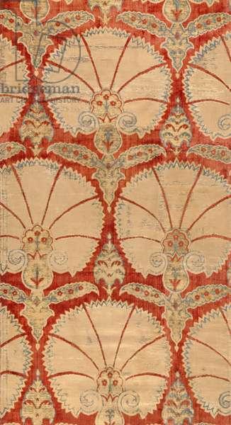 Panel of red cut velvet with carnation palmettes in gold and silver (velvet)