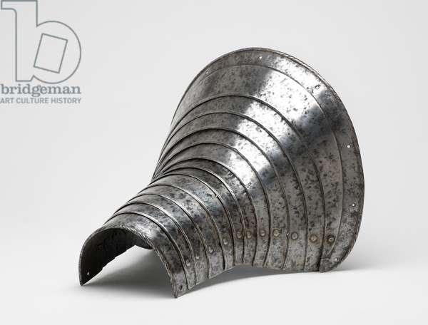 Armour. Leg-defence for the right foreleg of a horse, 1550 (steel)
