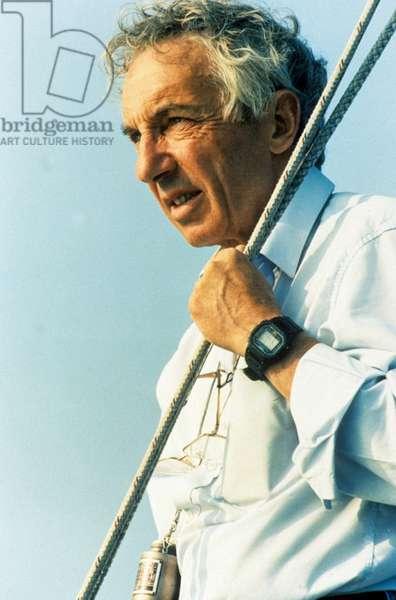 Le realisateur Philippe de Broca sur le tournage du film Les cles du paradis de PhilippedeBroca en 1991