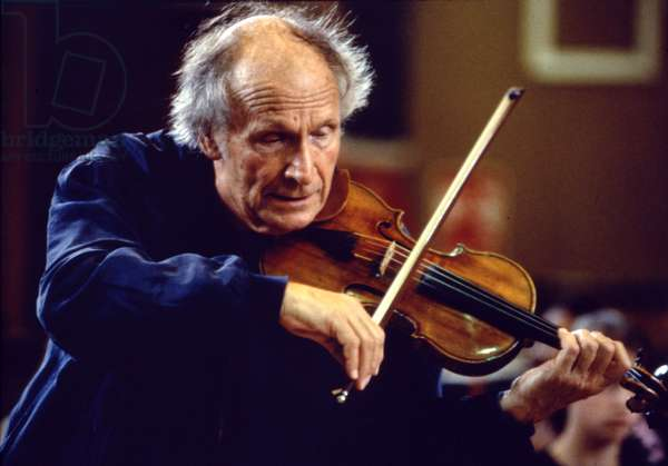 Ivry Gitlis playing violin, rehearsing with British National Youth Orchestra