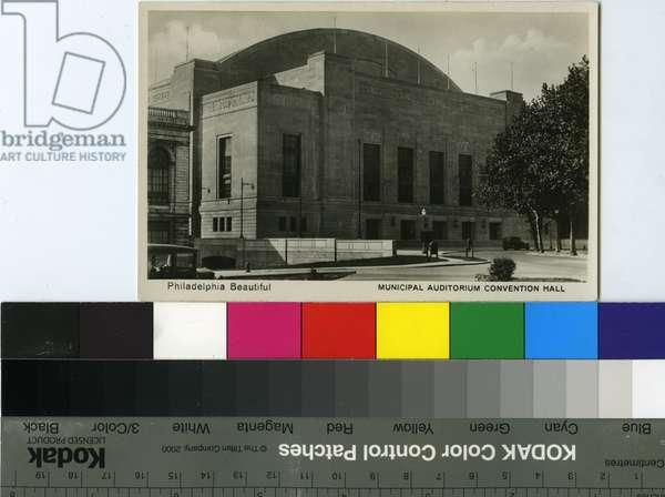 Postcard depicting 'Philadelphia Beautiful Municipal Auditorium Convention Hall', c.1930 (litho)
