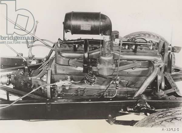 Essex Terraplane 8 Cyl. Engine, 1933 (b/w photo)