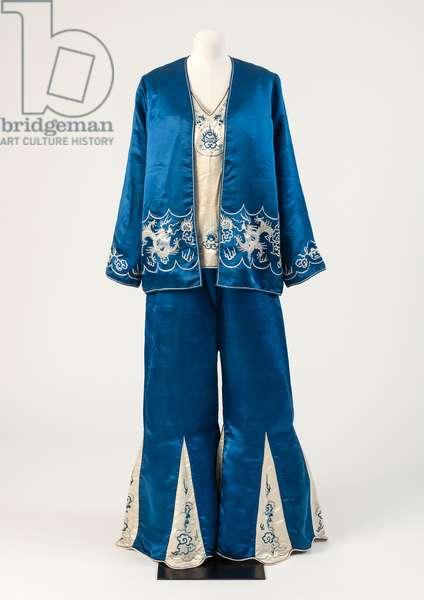 Sapphire blue and ivory silk satin Chinese-embroidered beach pyjamas, 1929 (silk)
