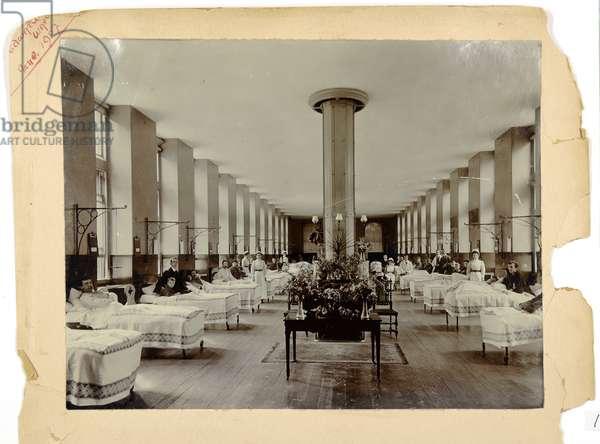 Edward Ward, St. Thomas' Hospital, 1907 (b/w photo)