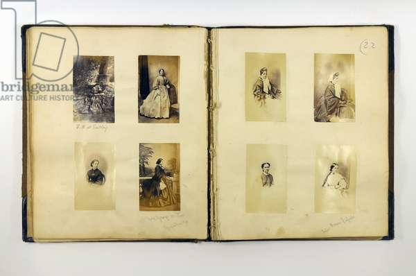 Photograph album containing portraits of Romsey dignitaries (b/w photos) (see 321968)