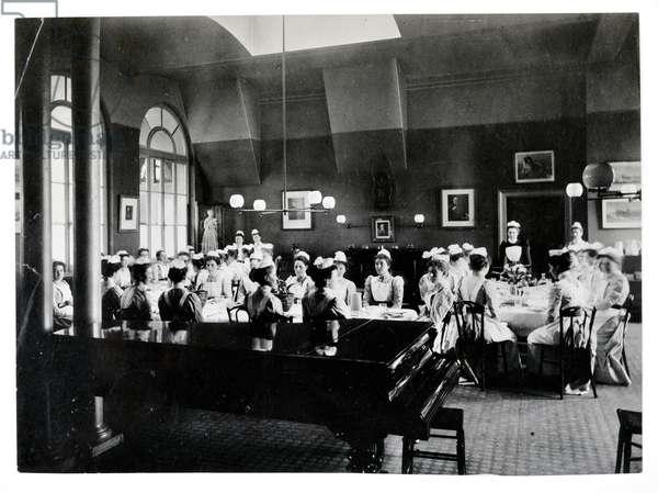 Nightingale Home dining room, St. Thomas's Hospital (b/w photo)