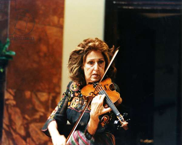 Ida Haendel  playing