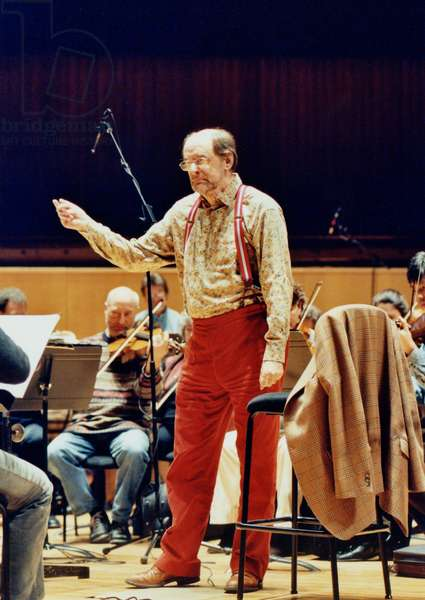 Roger Norrington conducting