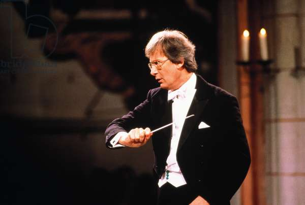John Eliot Gardiner conducting