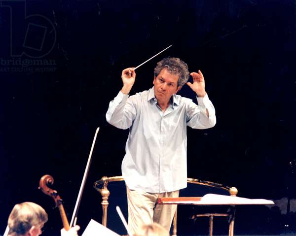 BELOHLAVEK Jiri conducting the
