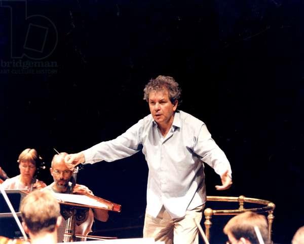 BELOHLAVEK Jiri conducting the