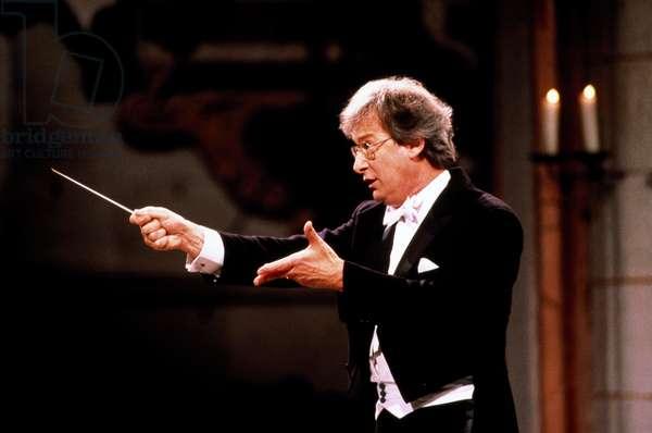John Eliot Gardiner conducting