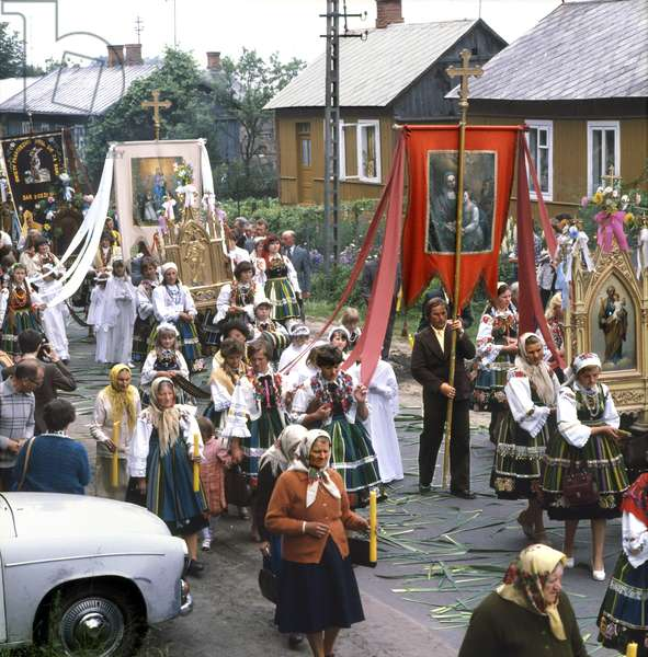 Zlakow Koscielny, Lowicz region, Poland, 06.1975. Catholic procession at the day of Solemnity of the Most Holy Body and Blood of Christ (Boze Cialo) in the village.