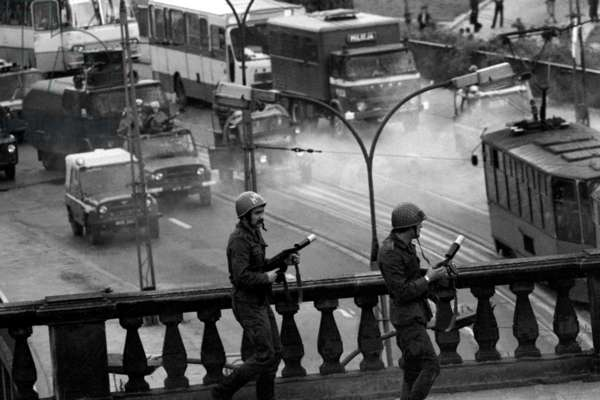 Warsaw, 31. 08. 1982. Zamkowy square riots on the anniversary of the uprising of 'Solidarity'.