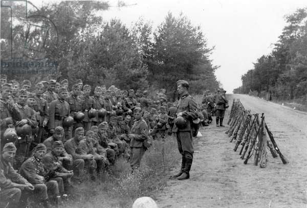 German soldiers during the Invasion of Poland, 1939 (b/w photo).