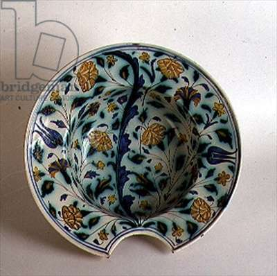 Barber's cup decorated with flowers and butterflies, 17th century (maiolica)