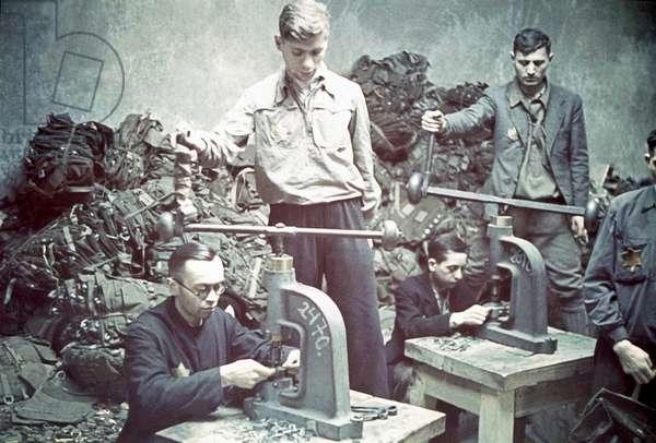A saddle workshop in the Lodz (Litzmannstadt) ghetto, Lodz, Poland, 1941 (photo)