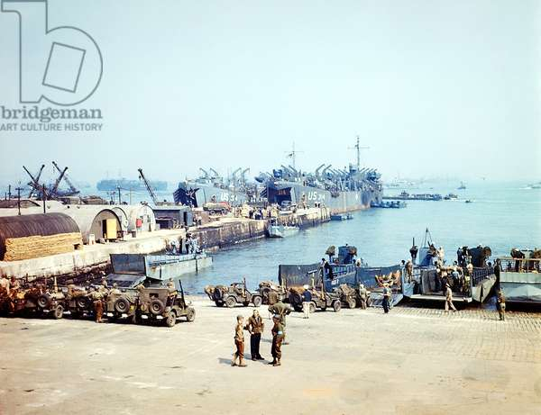 Vessels waiting for the start of D-Day operations in an English port of embarkation, 4th June 1944 (photo)
