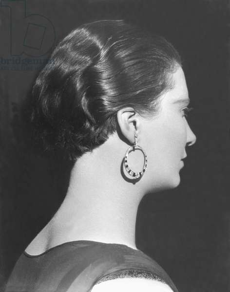 Woman with Earring, Mexico City, c.1928 (b/w photo)