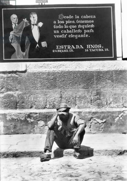 Elegance and Misery, Mexico City, 1928 (b/w photo)