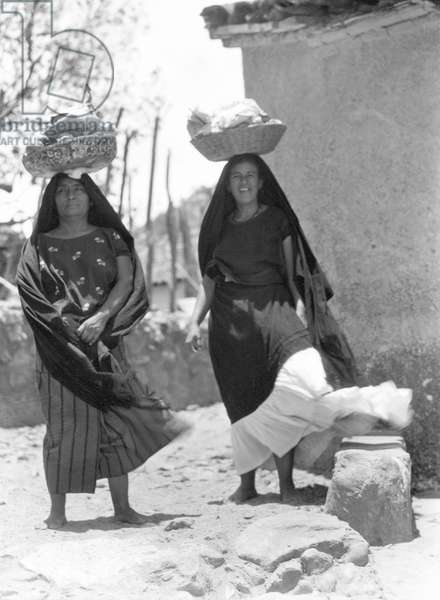 Women in Tehuantepec, Mexico, 1929 (b/w photo)