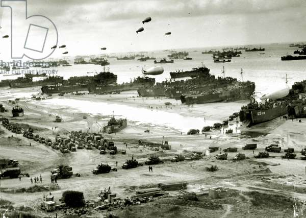 A large number of ships in front of Omaha Beach, Colleville-sur-Mer, Normandy, France, 9th June 1944 (b/w photo)