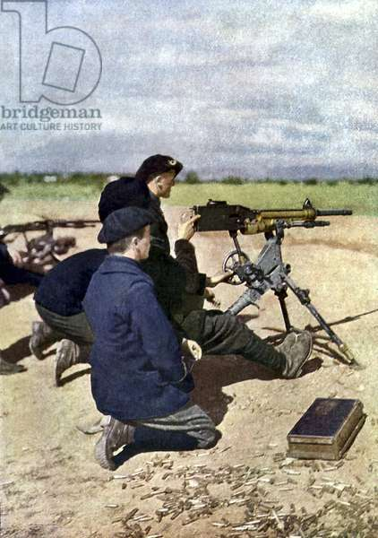 A French position with machine guns during the Battle of the Marne east of Paris, September 1914 (autochrome)