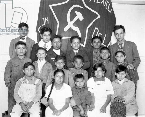 National Committee of the Youth Organization of the Communist Party of Mexico, Mexico City, 1928 (b/w photo)