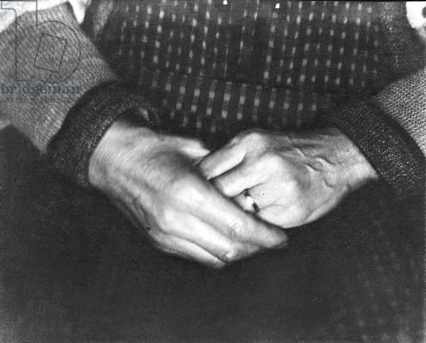 The Hands of Assunta Modotti, San Francisco, 1923 (b/w photo)