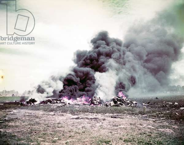 An Allied plane has crashed during the fighting in Normandy, June 1944 (photo)