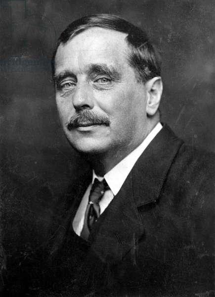 HERBERT GEORGE WELLS (1866-1946). English writer.