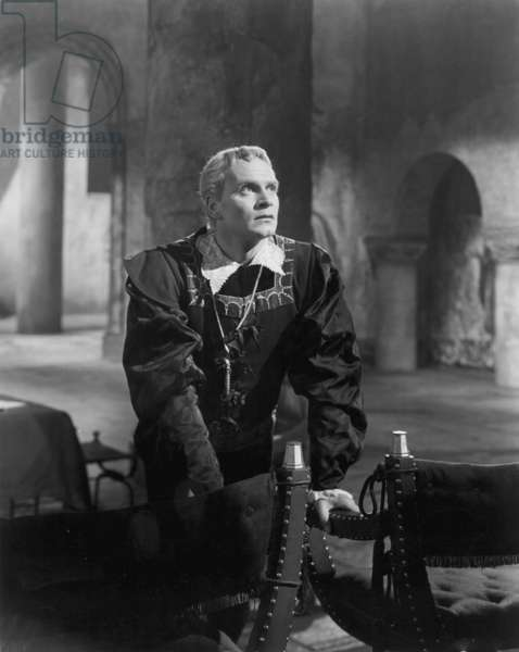 HAMLET: LAURENCE OLIVIER Laurence Olivier in the title role of the 1948 production.