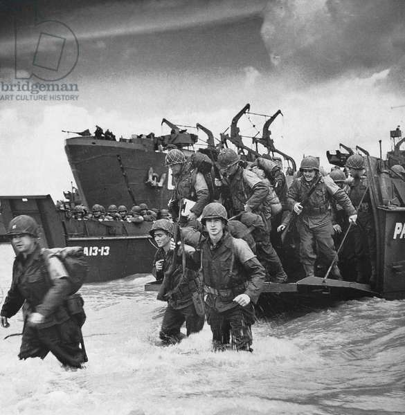 WORLD WAR II: D-DAY, 1944 American soldiers landing on the coast at Utah Beach during the invasion of Normandy, 6 June 1944.