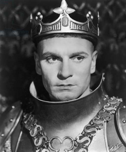 HENRY V: LAURENCE OLIVIER Sir Laurence Olivier in the title role of his film adaptation of Shakespeare's play 'Henry V,' 1944.