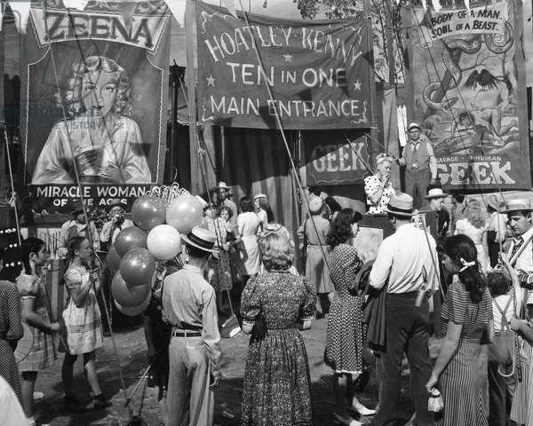 FILM: NIGHTMARE ALLEY Scene from the 1947 film 'Nightmare Alley,' starring Tyrone Power, Joan Blondell, Coleen Gray, and Helen Walker.