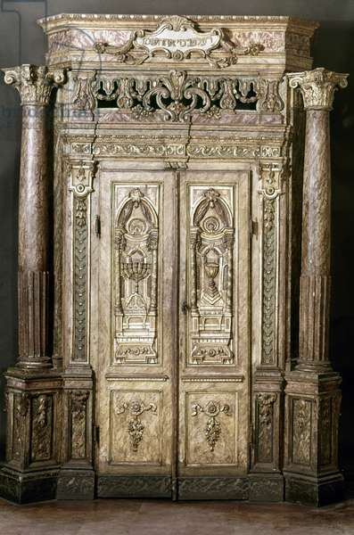 JUDAICA: SYNAGOGUE ARK Ark designed to hold the Sefer Torah, or Scroll of the Laws in a Synagogue. Italian, 16th century.