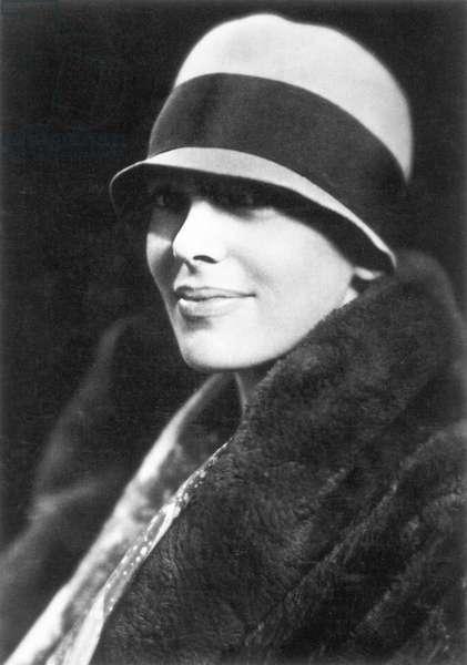 AMELIA EARHART (1897-1937) American aviator.