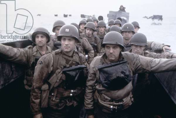 FILM: SAVING PRIVATE RYAN U.S. troops preparing for the landing at Omaha beach Normandy on D-Day during World War II. Still from the film, 'Saving Private Ryan,' starring Tom Hanks and directed by Stephen Spielberg, 1998.