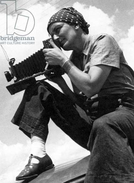 DOROTHEA LANGE (1895-1965) American photographer. Photograph by Paul Taylor, 1934.