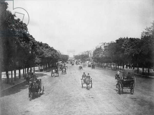 CHAMPS-ÉLYSÉES, PARIS, c.1900 Looking west towards the Arc de Triomphe: sepia photograph.