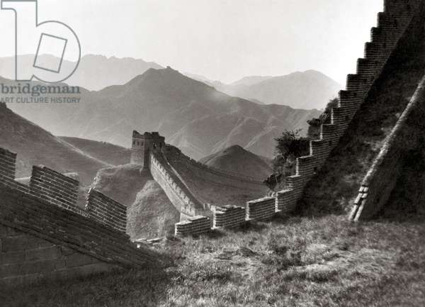 THE GREAT WALL OF CHINA Photograph, n.d.