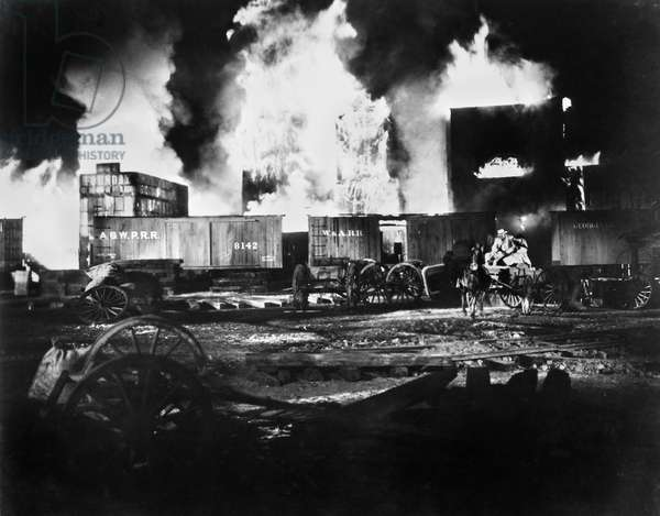 GONE WITH THE WIND, 1939 The burning of Atlanta.
