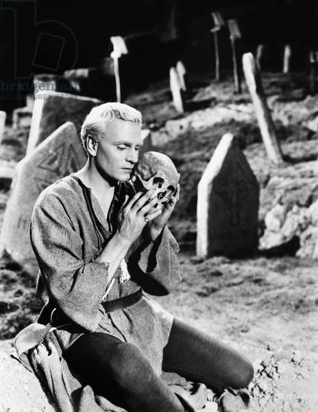 HAMLET: LAURENCE OLIVIER Laurence Olivier as Hamlet with Yorick's skull in his 1948 film adaptation of Shakespeare's play.