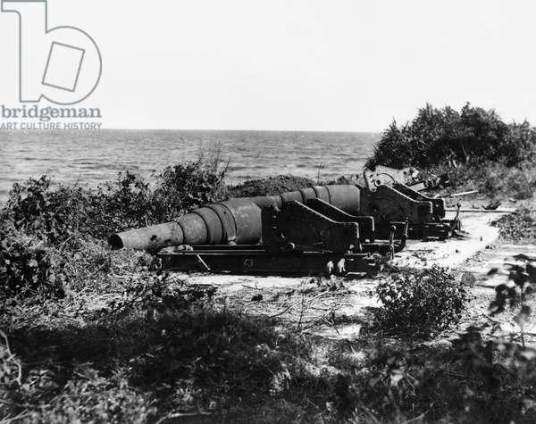 CIVIL WAR: CANNONS Battery gun, photographed by Mathew Brady.