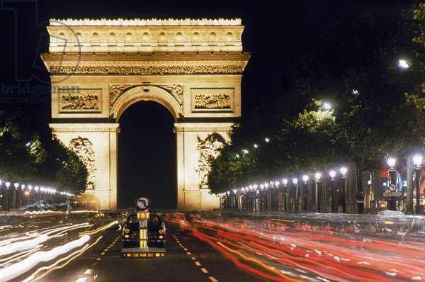 ARC DE TRIOMPHE Paris, France.