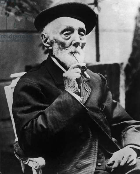 PIERRE-AUGUSTE RENOIR (1841-1919). French painter. Photograph, early 20th century.