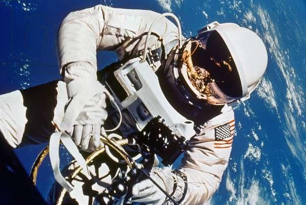 GEMINI 4: SPACEWALK, 1965 Astronaut Edward H. White during spacewalk, 3 June 1965.