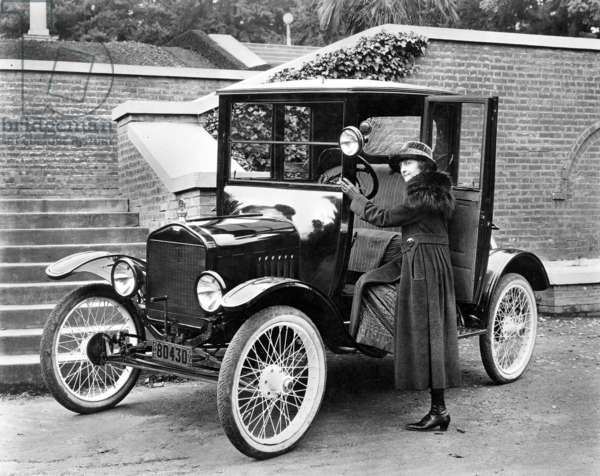 MODEL T FORD, 1919.