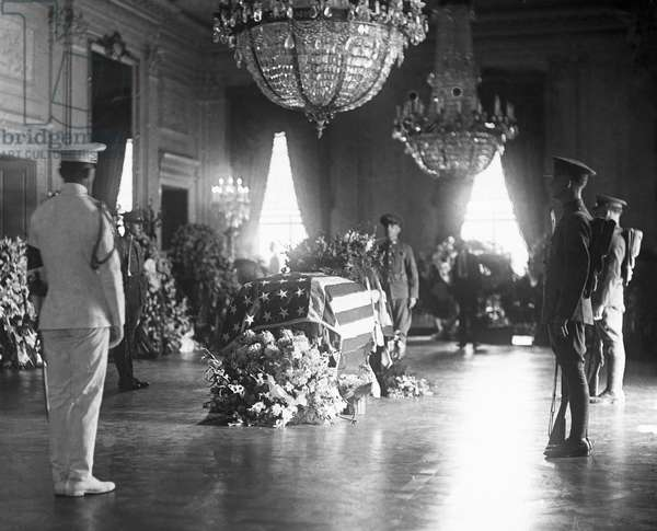 HARDING FUNERAL, 1923 U.S. President Warren G. Harding lying in state in the East Room of the White House, Washington, D.C., 1923.